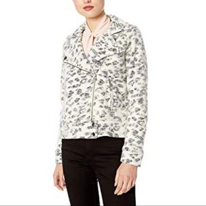 Cupcakes & Cashmere    Leopard Fleece Moto Coat